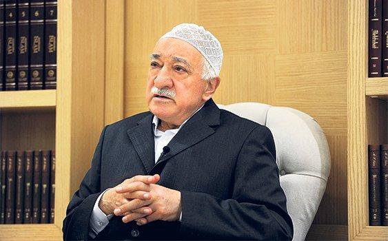 Fethullah Gülen Hocaefendi: Kutsala hakaret, insanî değerler ile telif edilemez