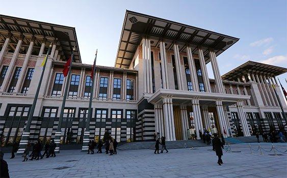 Erdoğan, Yüce Divan oylaması öncesi AKP grup yönetimini Saray'da topladı